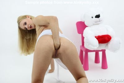 Kinky Niky XXX download